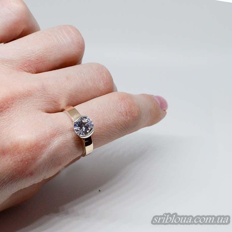 Серебряное кольцо с позолотой, вставка цирконий (арт. 388330)