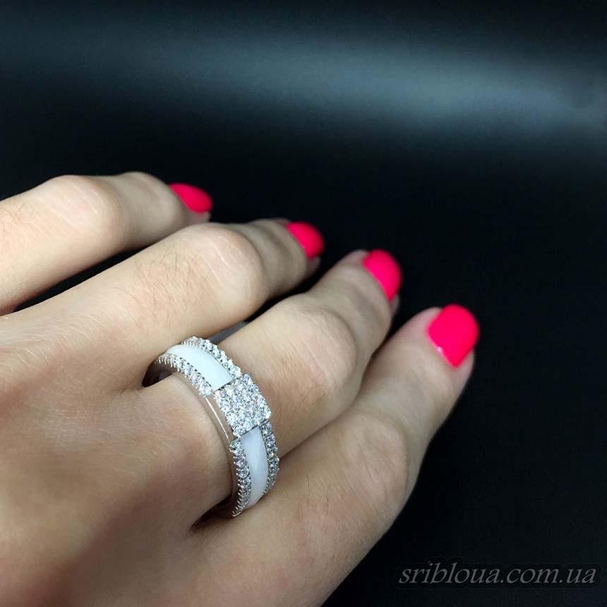 Серебряное кольцо, вставка черная керамика (арт. 1629б002а)
