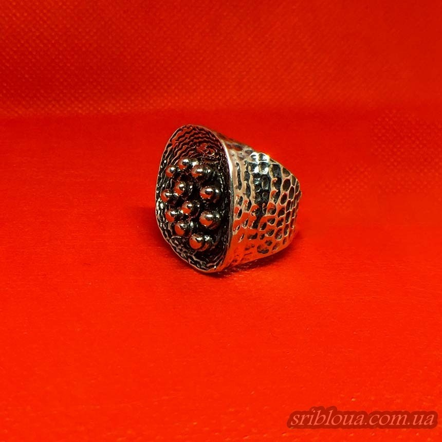 Серебряное эффектное кольцо с чернением (арт. 113610)