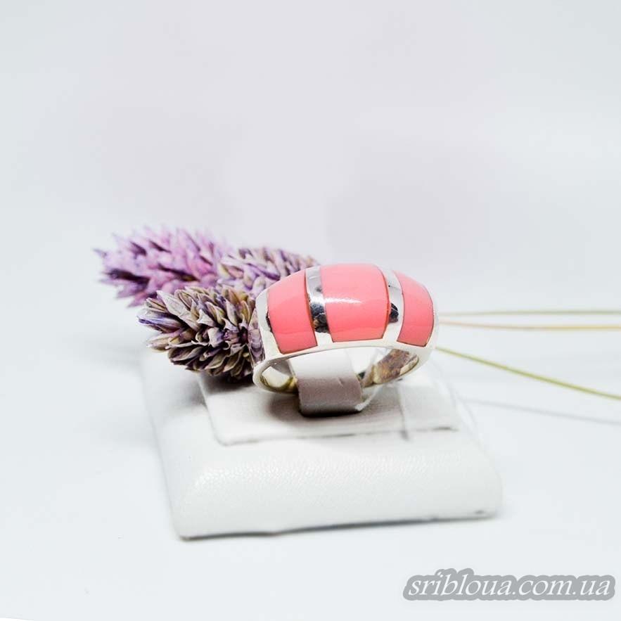Серебряное кольцо со вставками кораллов (арт. 2002350)
