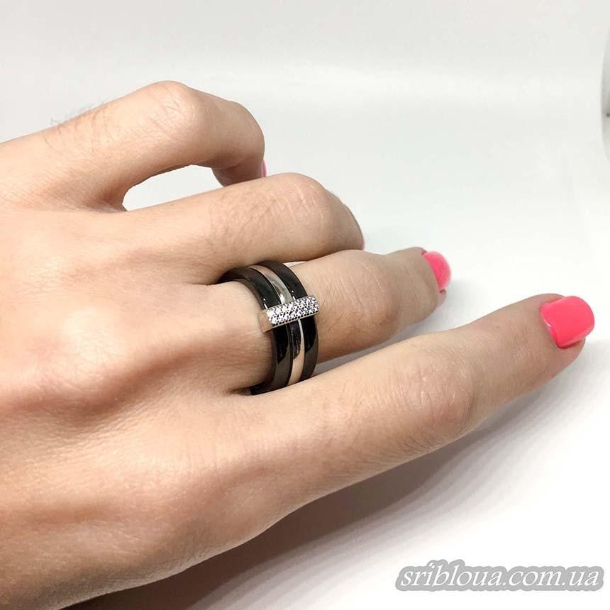 Серебряное кольцо, вставка черная керамика (арт. 1629ч028)