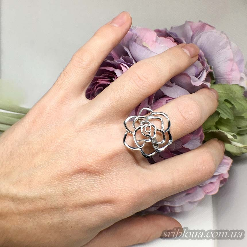 Серебряное кольцо Цветок (арт. 10238)